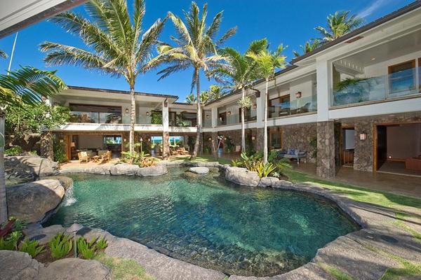 ハワイの白砂ビーチつき邸宅、26億円で売り出し中