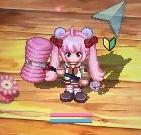 ピンクの髪とハンマーがトレードマークです