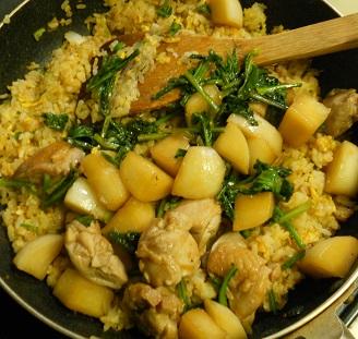 蕪と鶏肉のピリ辛チャーハン8