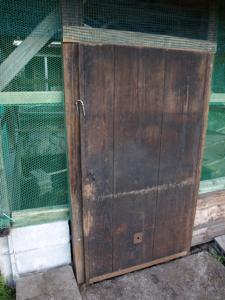 4鶏小屋ドア