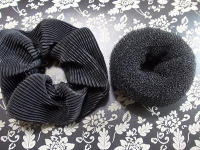 黒のヘアアレンジアイテム