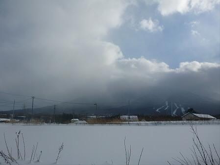 ビジターセンターからの岩手山01(2013.1.5)