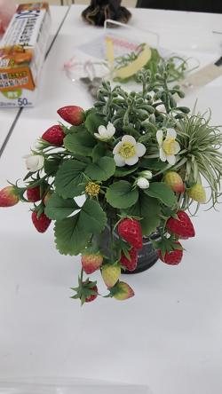 粘土イチゴ寄せ植え2013.6.4