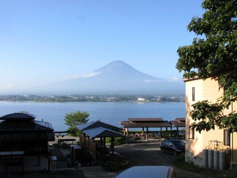 宿から見た富士山