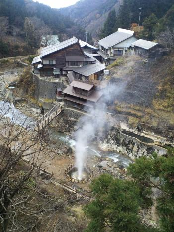 後楽館と噴泉(26.11.27)