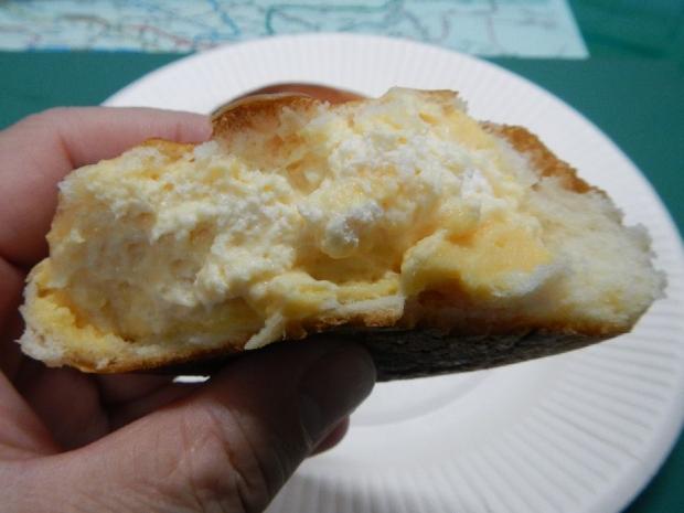 パン・ピジョンクリームパン (2)