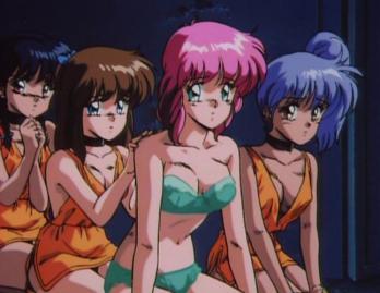 ユカ(ピンクの髪)