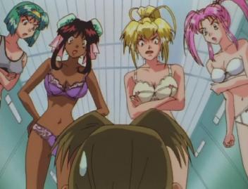 (左から)真弥、ナンベル、利緒、リリカ