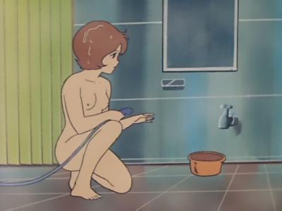 フラウ・ボゥ 全裸入浴シーン