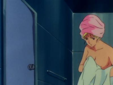 セイラ・マス 胸裸入浴シーン