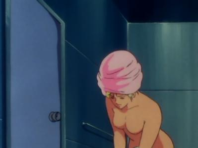 セイラ・マス 全裸入浴シーン