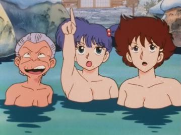 沢口リカ 胸裸 温泉入浴シーン