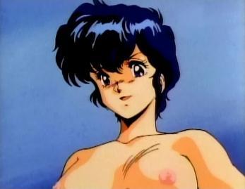 ミキ 胸裸