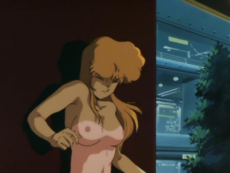 ライディングビーン 人質女性の胸裸乳首11