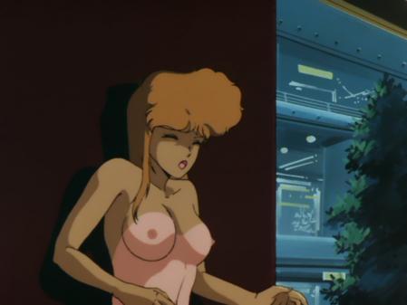 ライディングビーン 人質女性の胸裸乳首13