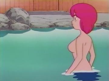 明菜 温泉入浴シーン 胸裸