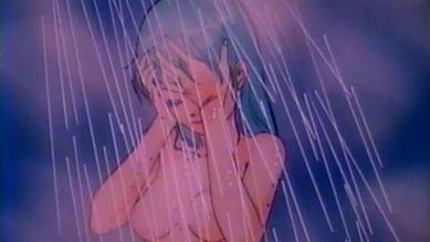 ミディ 胸裸シャワーシーン