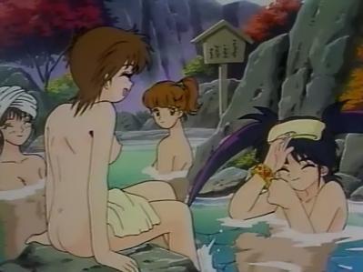 役小明 胸裸 温泉入浴シーン + 奈美 全裸