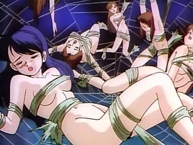 襲われた女性 全裸