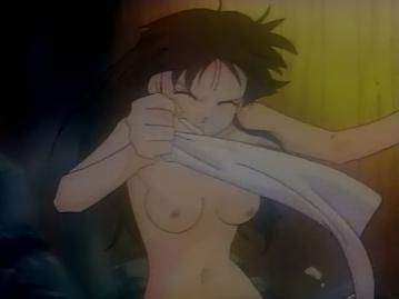 志穂 胸裸入浴シーン