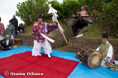 夷王山神社 神楽舞 榊舞