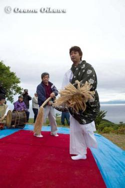 夷王山神社 神楽舞 獅子舞