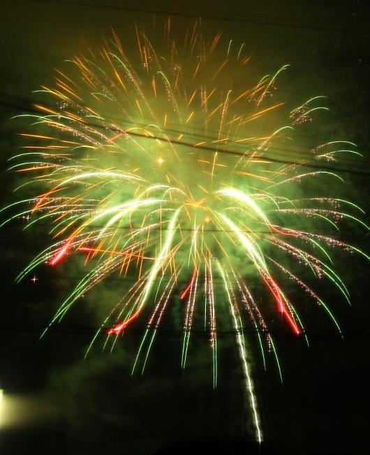 近所の花火-2