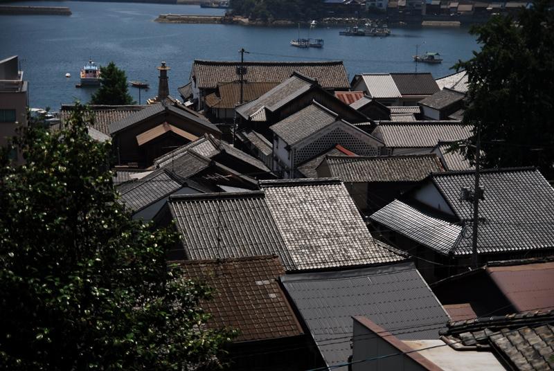 屋根のある風景