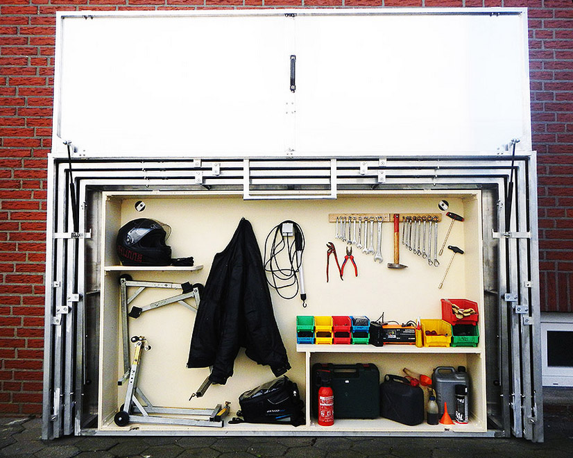 20141031_Telescopic-Motorcycle-Garage.jpg