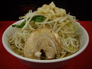 びんびん豚 ラーメン(中)