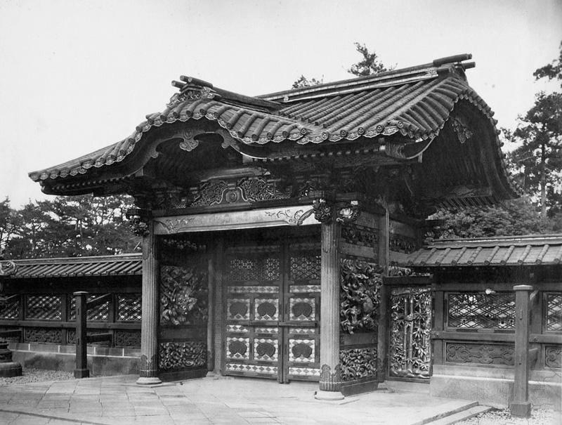 文昭院霊廟勅額門002