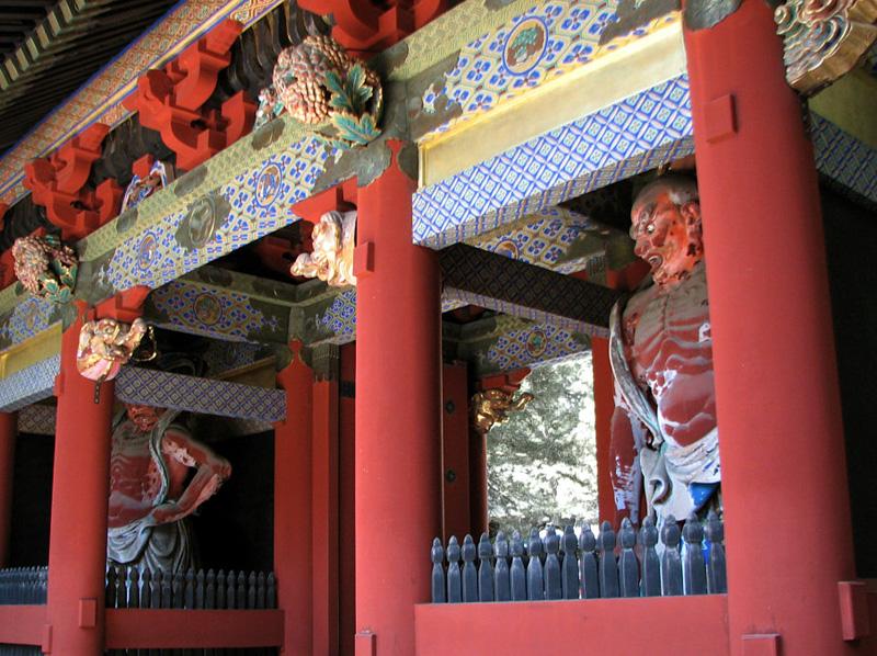 東照宮最初の門、金剛力士像が ...