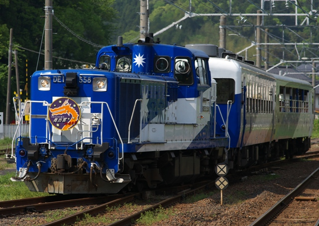 120505-JR-W-okuizumotorokko-1.jpg