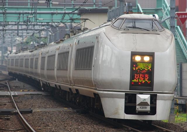120705-JR-E-651-2-kitasenjju.jpg