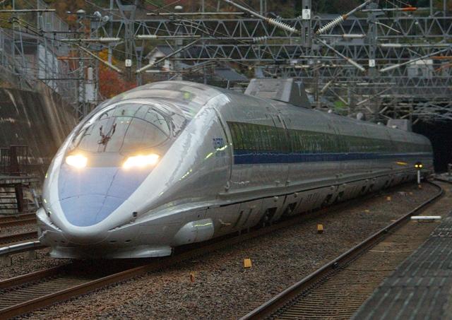 121124-JR-W-500-hikari144-shinonomichi-1.jpg