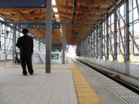 2012.4.17 JR日向駅のホーム2