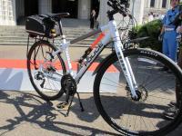 2012.5.12 県警へ贈呈された特別仕様の自転車