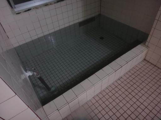 男湯温湯浴槽
