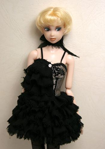 crow_dress02s.jpg