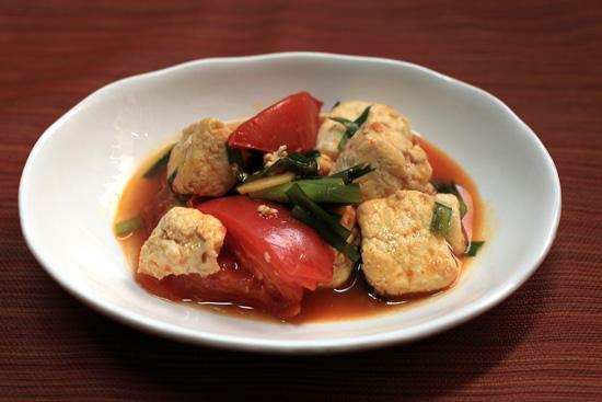豆腐とトマトのオイスターソース炒め