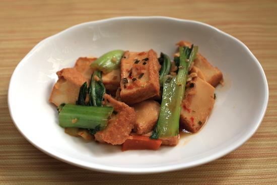 厚揚げとチンゲン菜の辛味煮