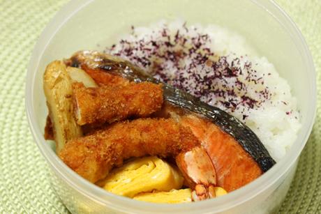 塩鮭弁当3
