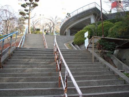 0036公園への階段