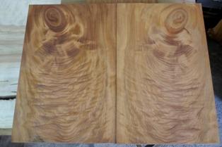 ケヤキブックマッチ杢木