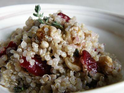 Cranberry Walnuts Quinoa Salada