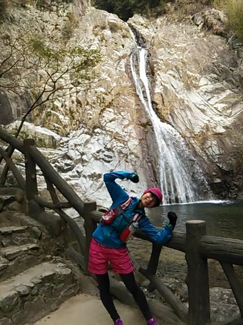 ポーズ布引の滝