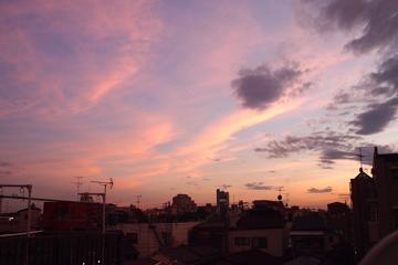 ピンクな空
