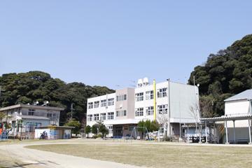 島で唯一の学校