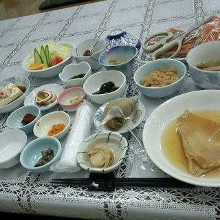夕食のごちそう、海鮮てんこ盛り