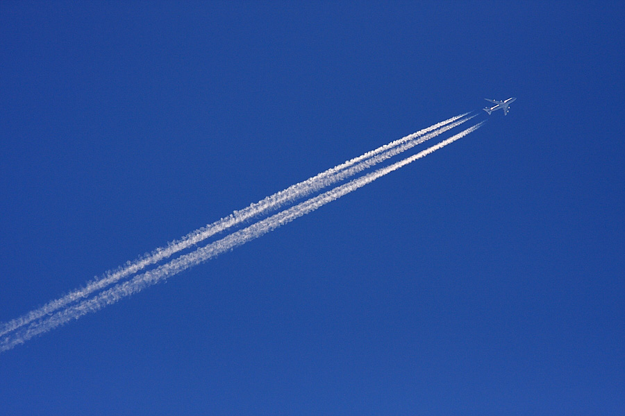Contrail by CA B747-400F @リサイクルセンター周辺(by EOS 40D with SIGMA APO 300mm F2.8 EX DG/HSM + APO TC1.4x EX DG)